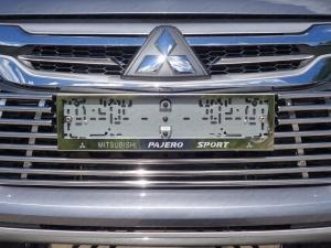 Рамки номерного знака Mitsubishi